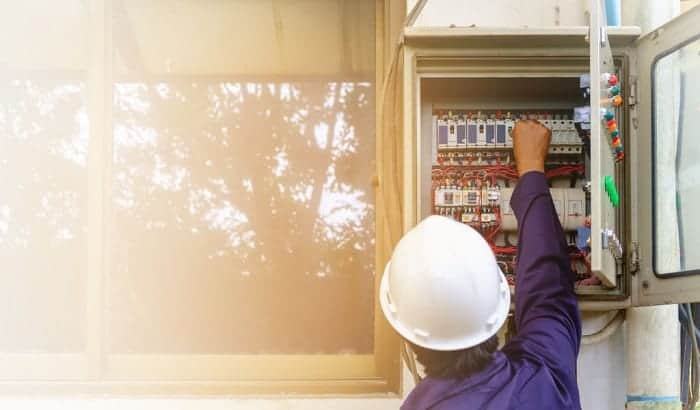 How to Change a Circuit Breaker from 15 to 20 Amps