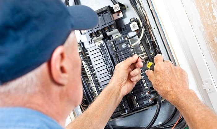 How to Change a Fuse Box to a Breaker Box
