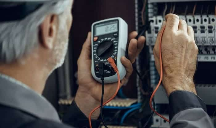 How to Test a Circuit Breaker with a Digital Multimeter