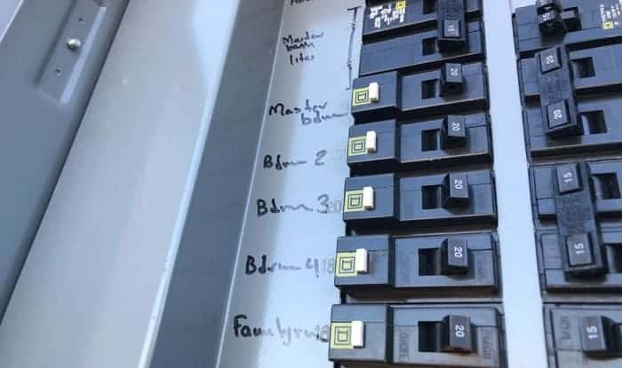 Is-it-hard-to-change-a-fuse-box-to-a-breaker-box