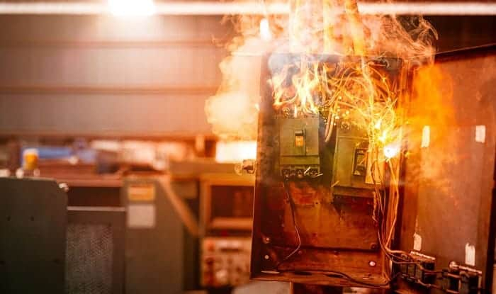 What-happens-when-a-circuit-breaker-gets-too-hot