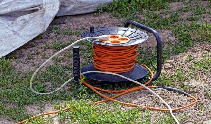 retractable-extension-cord-reel