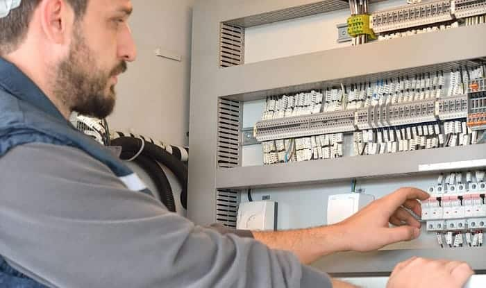 how to increase circuit breaker amps