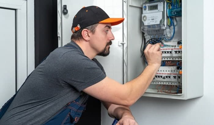 how long do circuit breakers last