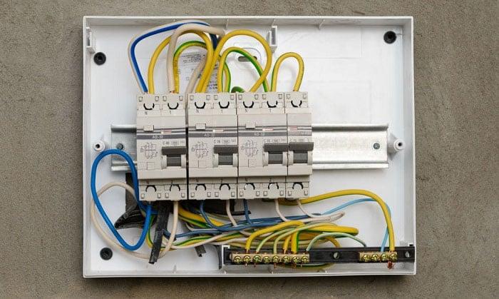 8-gauge-wire-amps
