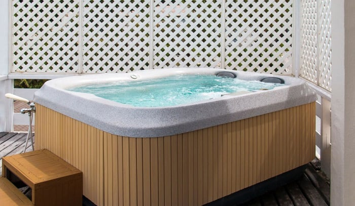 what size breaker do i need for a hot tub